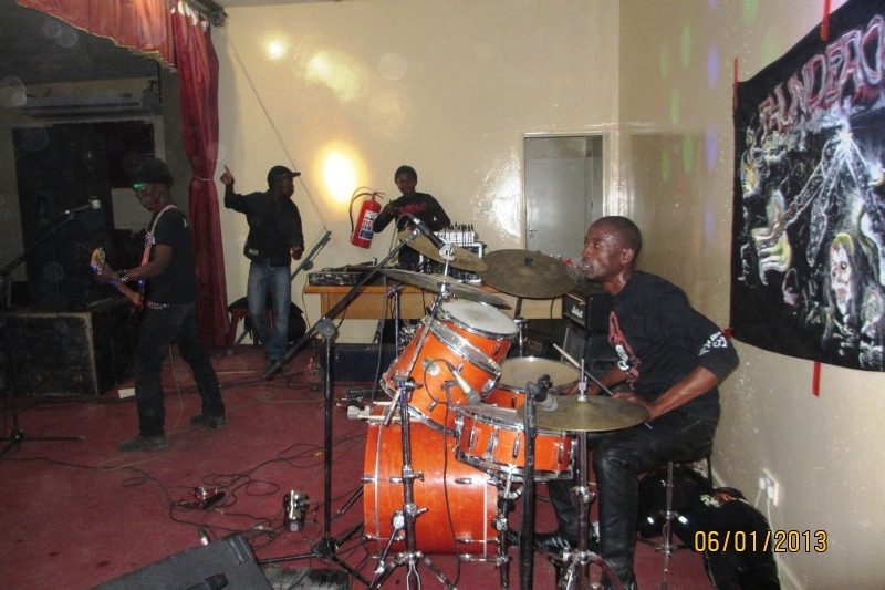 Ghanzi-MetalFest-102-June-2013_1010